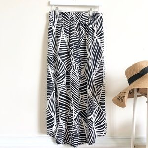 NWT Loft black and white printed maxi skirt
